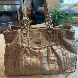 🌺🌺Coach Silver Alligator Print Shoulder Bag 🌺🌺